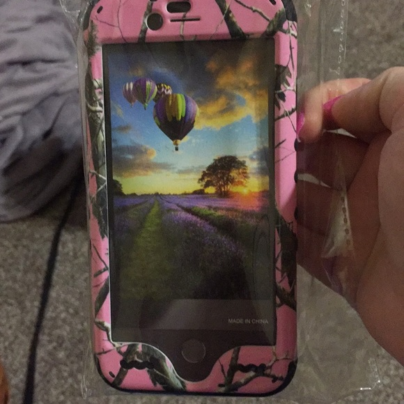 Realtree Other - Pink cell phone case for iPhone